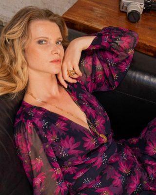ANNA, notre nouveau bouquet de fleurs 🌸 Une robe pour être glamour, De nuit comme de jour, De quoi flatter le corps,  … Et ravir les couleurs ✨  www.lespiplettesstore.fr  #lespiplettes #shopping #mode #lille #vieuxlille #arras #paris #lemarais #valenciennes #amiens #letouquet #strasbourg #toulouse #eshop #nouvellecollection #capsule #vestiairedautomne #fashionstyle #fashionaddict