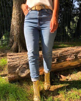 VENICE, notre nouveau jean Mom taille haute 🌾   www.lespiplettesstore.fr  #lespiplettes #shopping #mode #lille #vieuxlille #arras #paris #lemarais #valenciennes #amiens #letouquet #strasbourg #toulouse #eshop #nouvellecollection #capsule #backtonature #fashionstyle #fashionaddict
